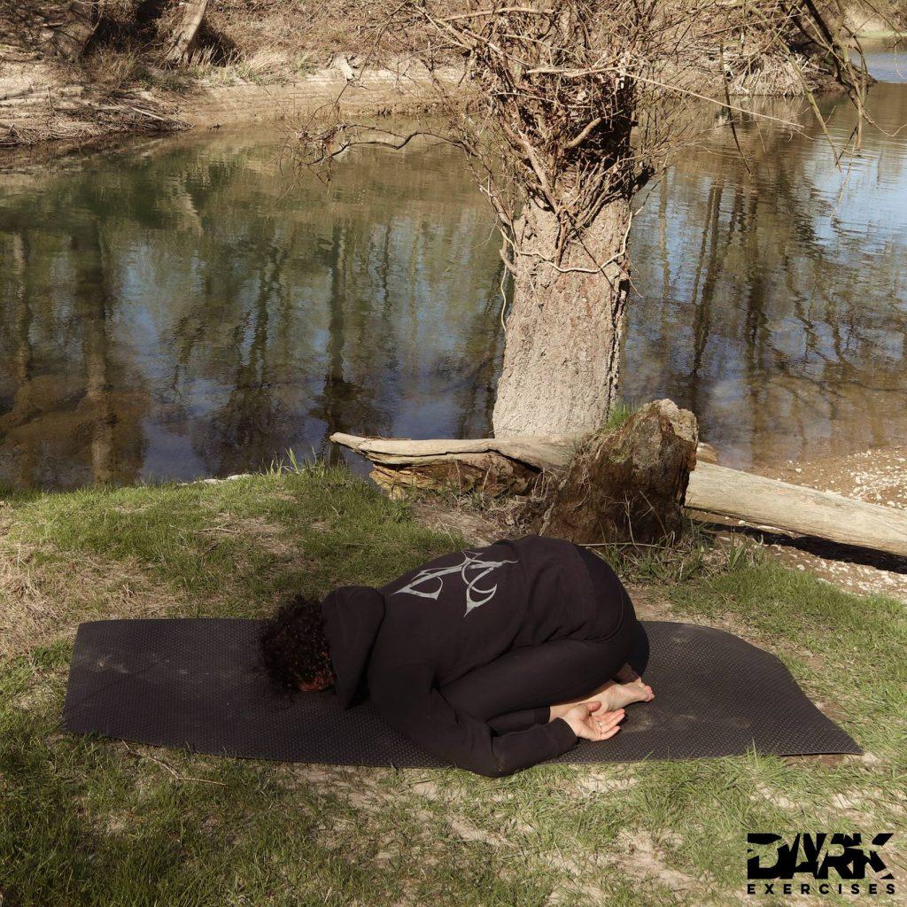Yin Yoga mit Insomnium - Stellung des Kindes