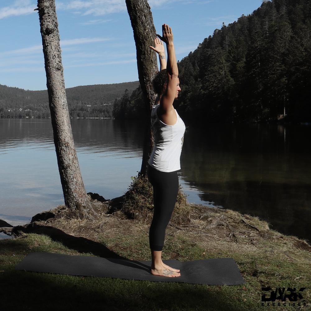 Taival-Yoga Tadasana with raised arms