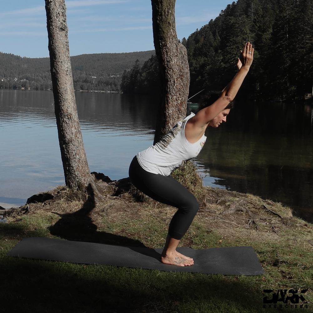 Taival-Yoga Stuhlstellung Utkatasana