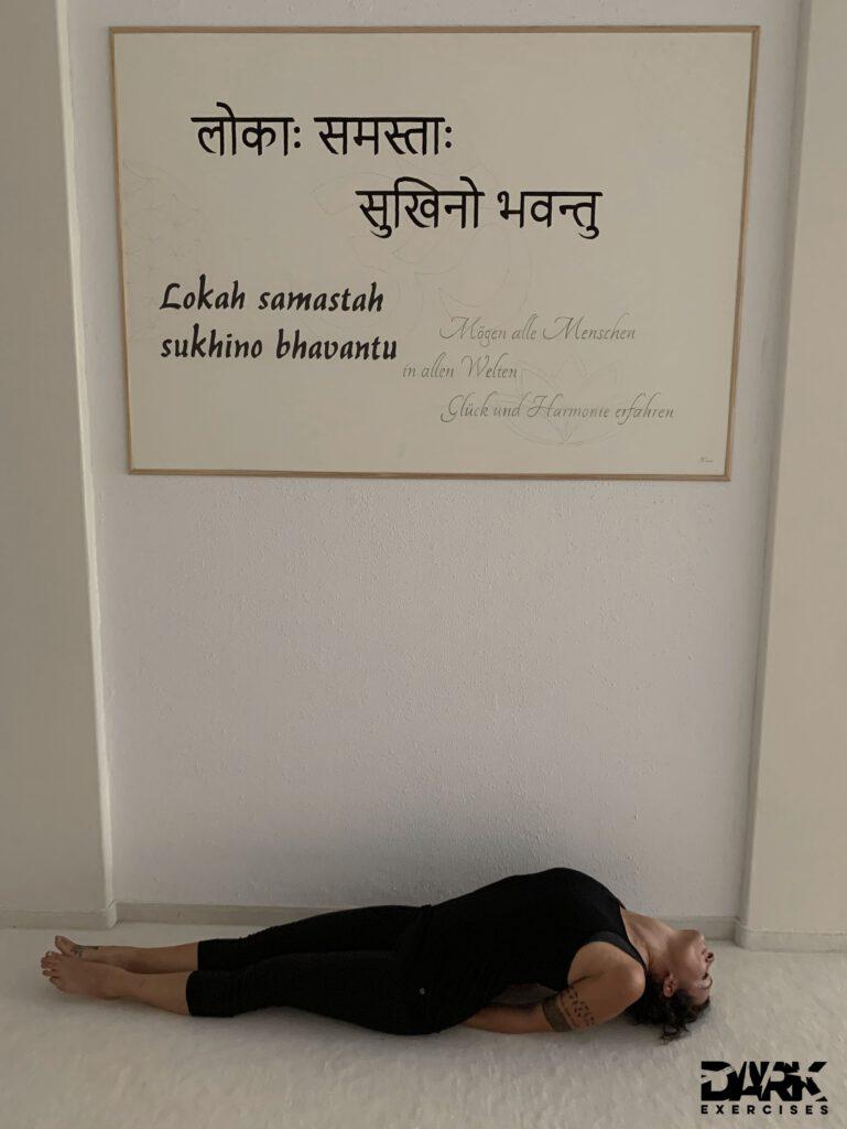 4-week-intensive-Yogateacher-Training Pt. 2 Matsyasana - a posture that opens the heart
